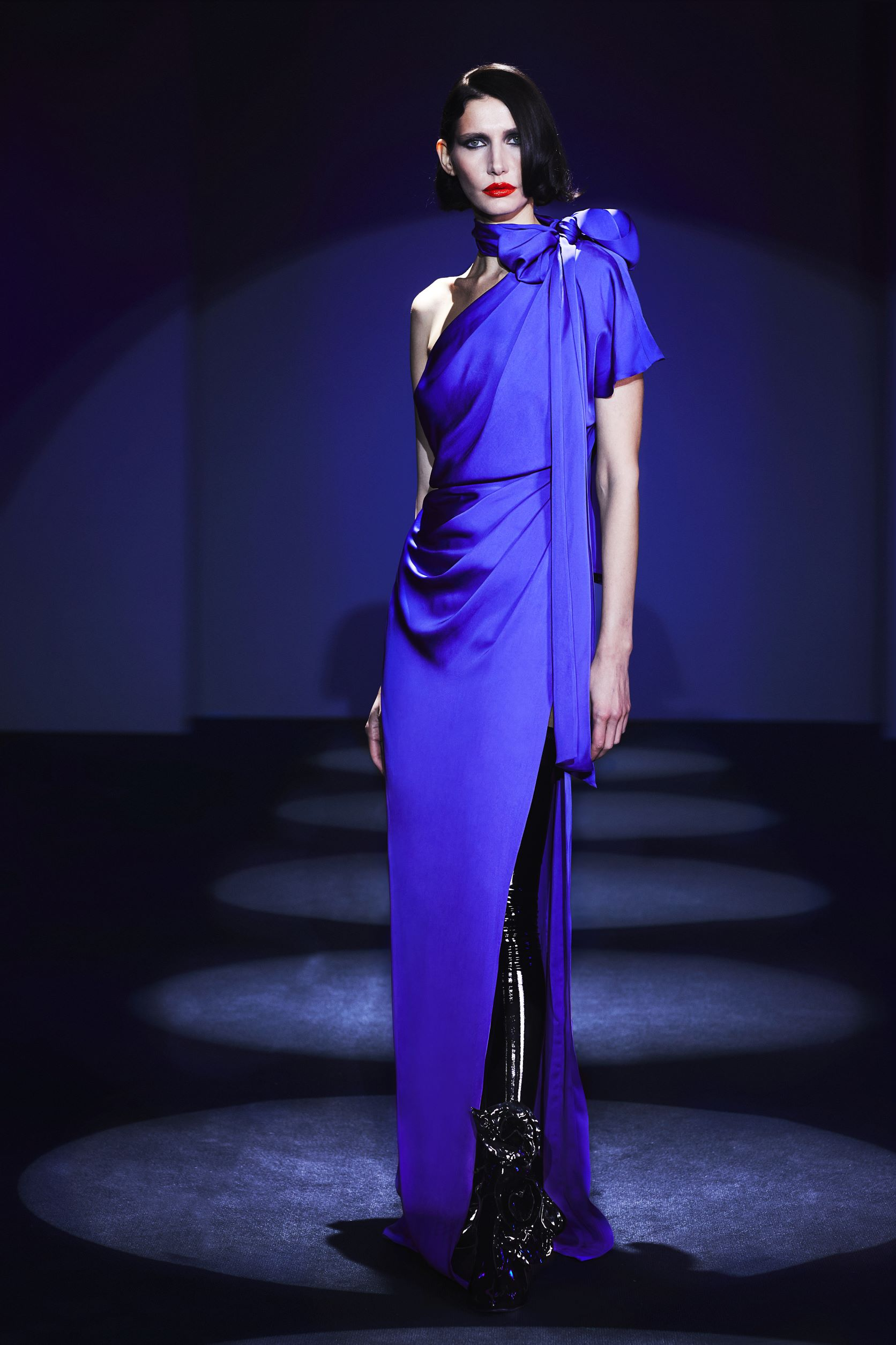 One shoulder viscose  dress with  knot detail and slit